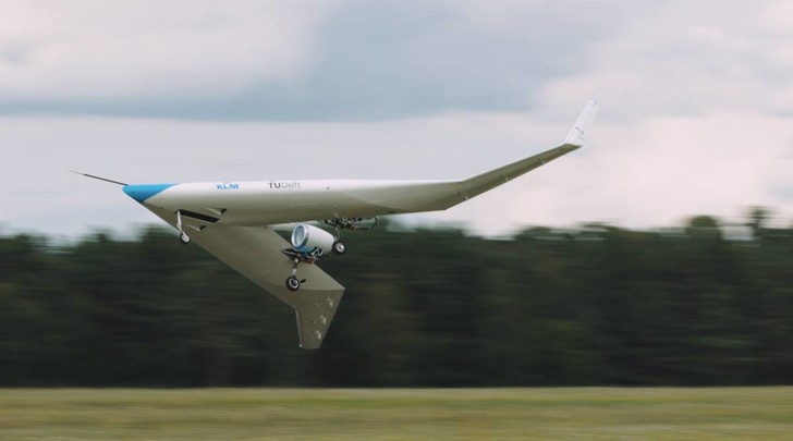 Фото №3 - Самолет с местами для пассажиров в крыльях успешно совершил первый полет