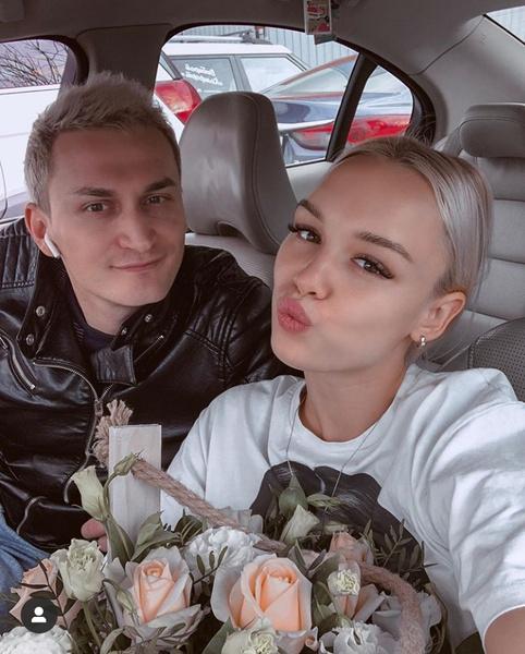 Фото №1 - Диана Шурыгина рассталась с мужем и уехала отдыхать с новым парнем