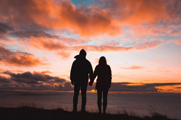 Фото №1 - Как помириться с подругой, если ты увела ее парня?