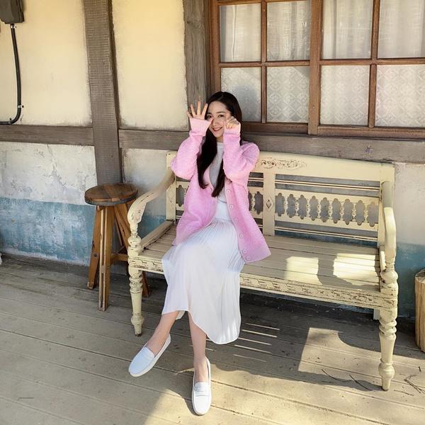 Фото №8 - 10 самых стильных образов этой весны от Пак Мин Ëн