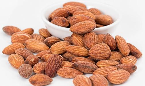 Фото №1 - Ученые определили наиболее полезный орех для сердца