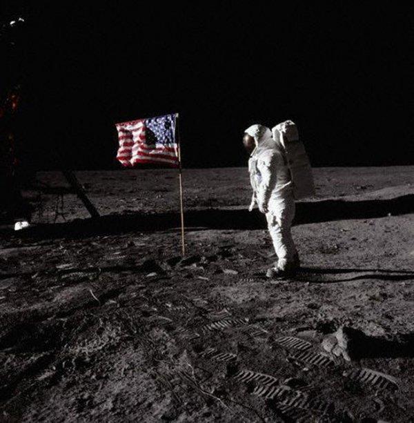 Фото №2 - Видимый цвет Луны — иллюзия