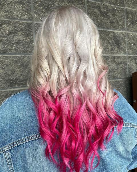 Фото №1 - Временное окрашивание: как легко сменить цвет волос на несколько дней
