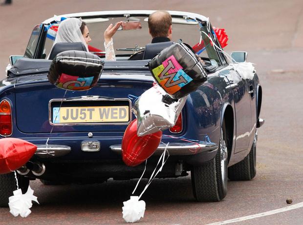 Фото №2 - Кембриджские, Сассекские или Уэльские: какая королевская свадьба стала самой дорогой в истории