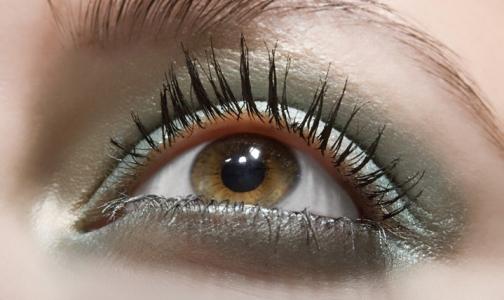 Фото №1 - Петербургский врач рассказал, можно ли предотвратить развитие меланомы глаза