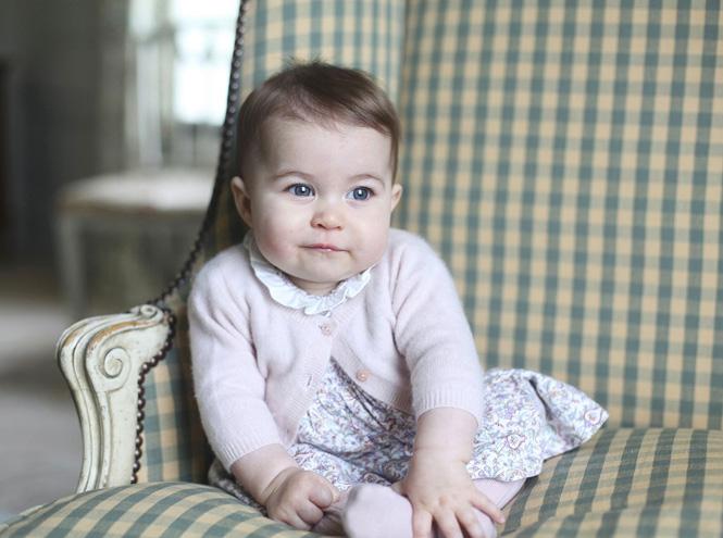Фото №2 - Опубликованы официальные фото принцессы Шарлотты