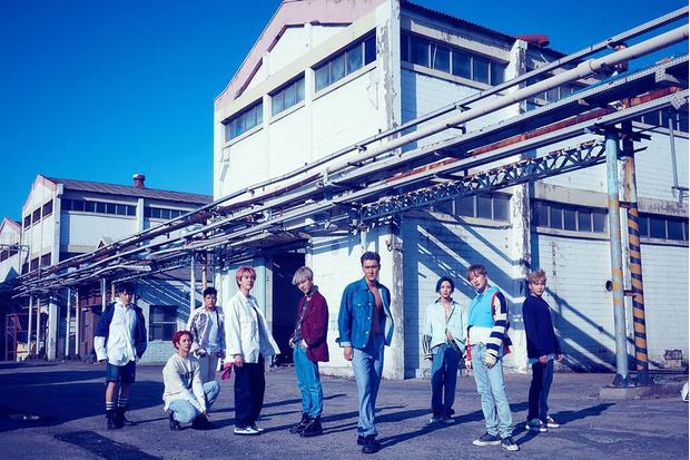 Фото №5 - Топ-10 корейских бойбендов, которые продали больше всего альбомов