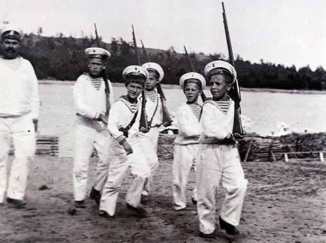 Фото №14 - Милые и забавные архивные фото царской семьи Романовых