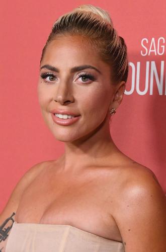 Фото №40 - Как хорошела Леди Гага: все о громких бьюти-экспериментах звезды