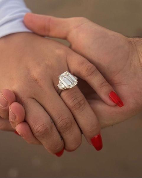 Фото №1 - Деми Ловато выходит замуж