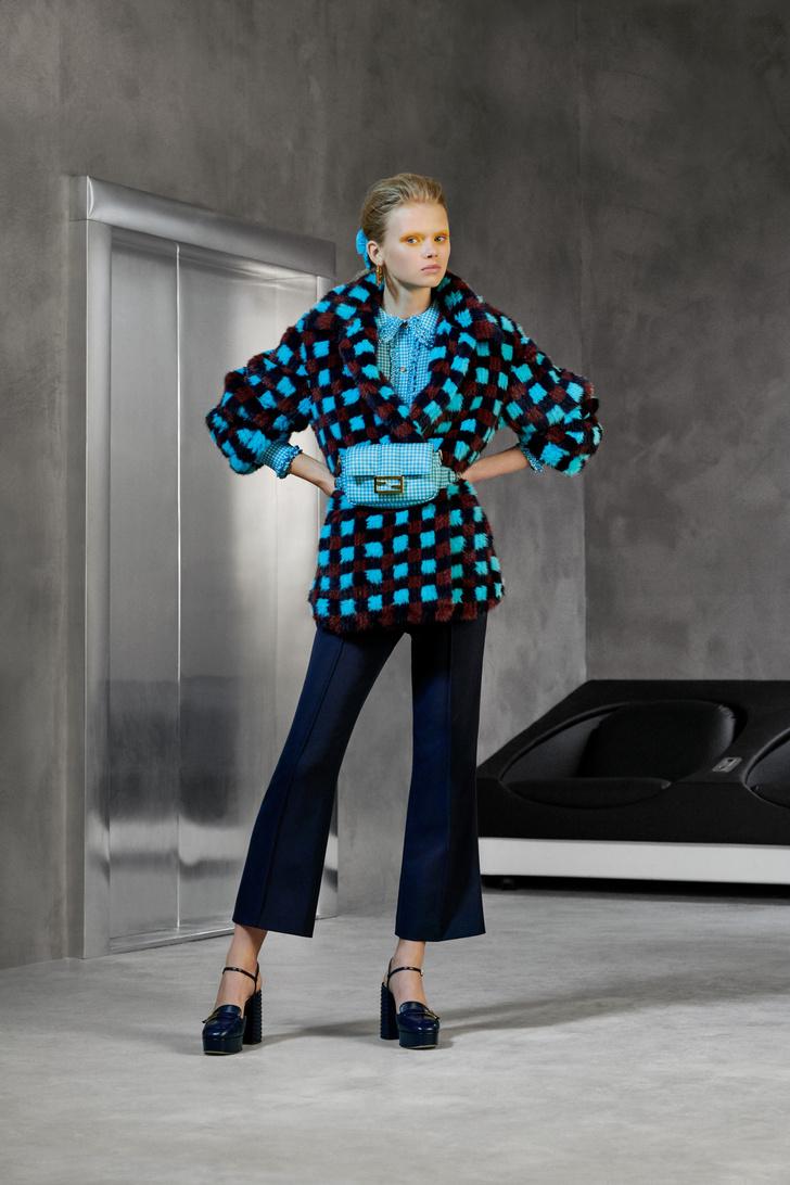 Фото №5 - Озорная и аристократическая: как одеться в стиле Катрин Денев в фильме «Дневная красавица»?