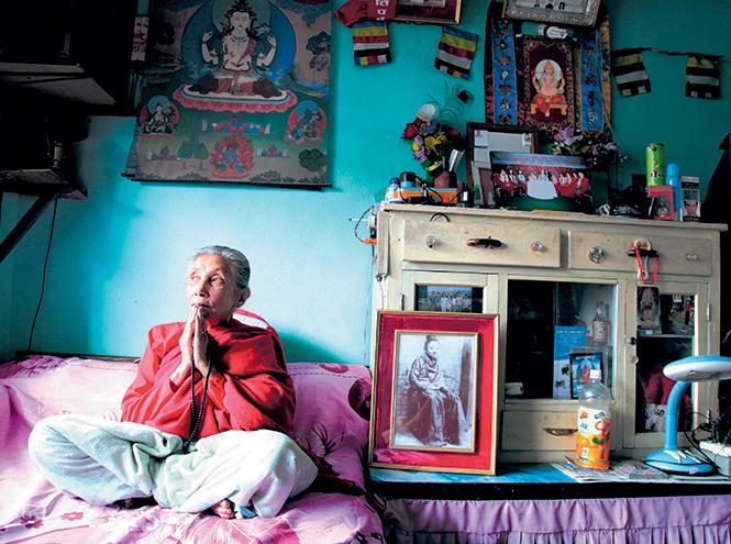 Фото №8 - Бывшая богиня: как живут те, кто перестал быть королевской Кумари в Непале