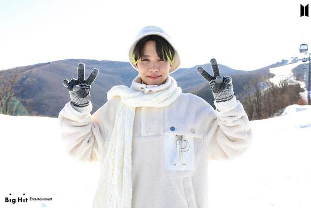Фото №21 - Снежные ангелы: Big Hit Entertainment выложил 65 новых фото BTS 😍