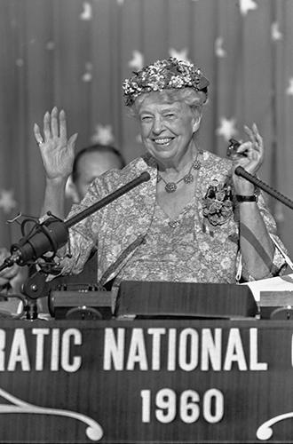 Фото №31 - Есть ли жизнь после Белого дома: чем (обычно) занимаются бывшие первые леди США