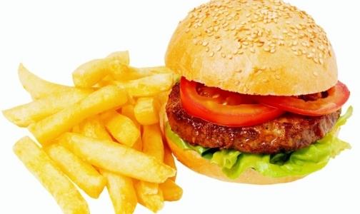 Фото №1 - McDonald's уберет половину картошки-фри из обедов Happy Meal