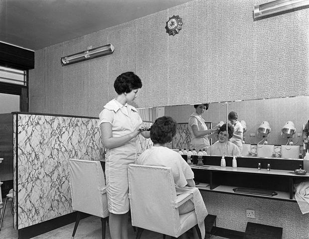 Фото №1 - Как красили волосы в СССР: лайфхаки из прошлого