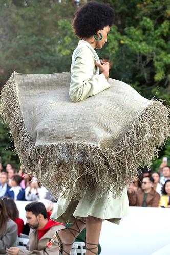 Фото №18 - Самые модные сумки сезона весна-лето 2019