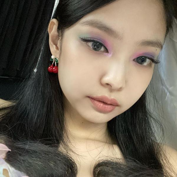 Фото №7 - Какой макияж выбрать для новогодней ночи 2021: советуют знаменитости