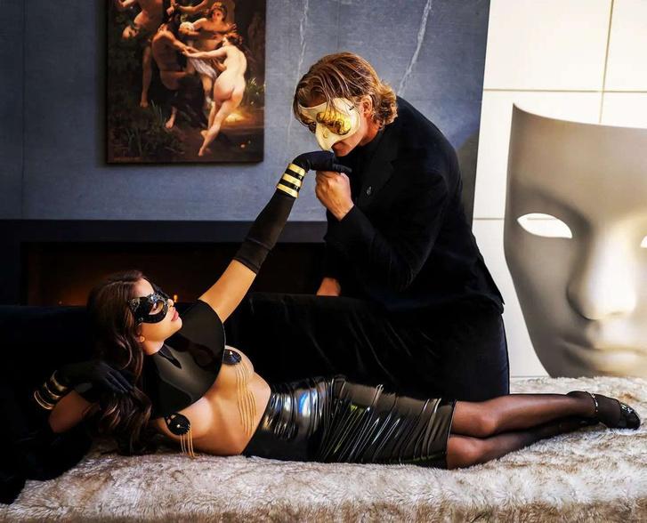 Фото №5 - Что на самом деле происходит в самом элитном секс-клубе мира (фото прилагаются)