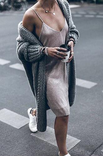 Фото №3 - Все лучшее сразу: как носить праздничную одежду каждый день