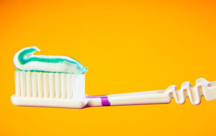 Фото №1 - Чем опасны мыло и зубная паста