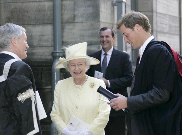 Фото №23 - Где учились принц Уильям, Кейт Миддлтон и Амелия Виндзор: лучшие британские университеты (часть 2)