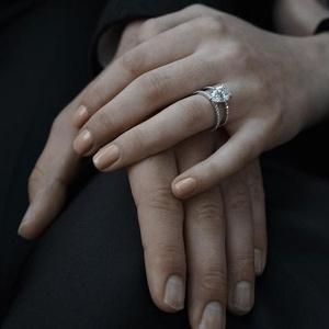 Фото №11 - Выходи за меня: самые красивые помолвочные кольца знаменитостей