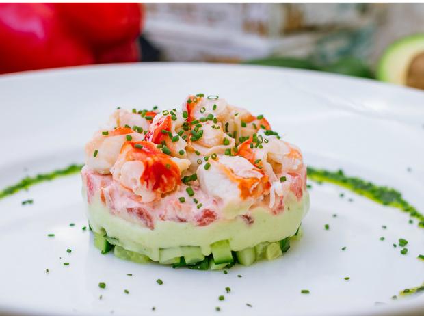 Фото №2 - Крабовый салат: три лучших рецепта