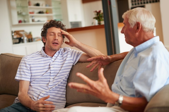 Parents who hurt us: how to communicate with them?