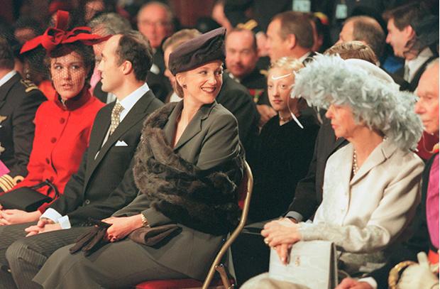 Фото №2 - 25 необычных шляп на королевских свадьбах