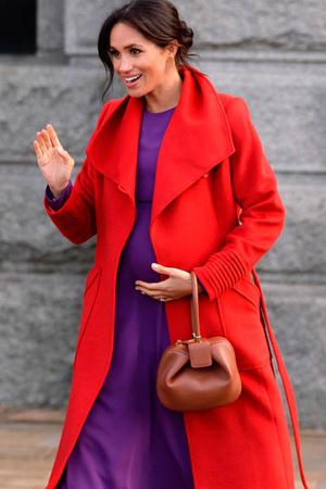 Фото 22. Так выглядит идеальный для Меган скругленный угол в сумочке.