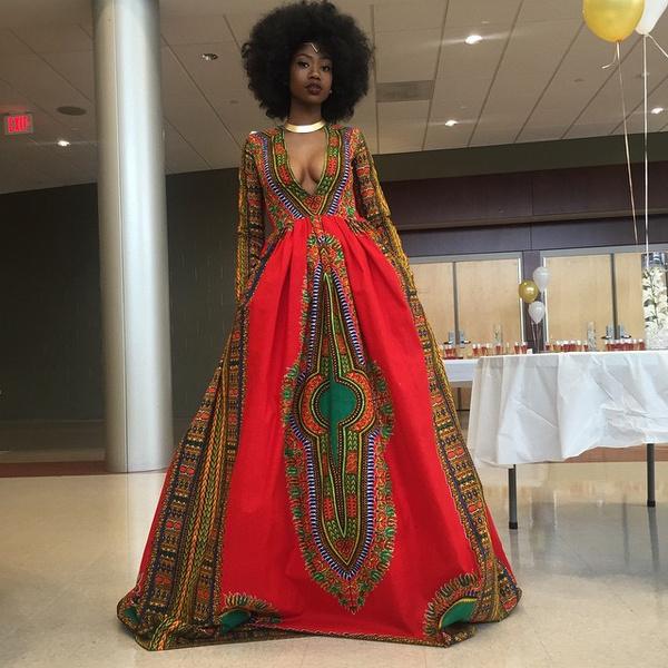 Фото №1 - Старшеклассница бросила вызов стереотипам своим выпускным платьем