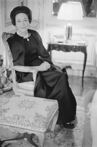 Фото №7 - Неожиданный вывод модного эксперта о стиле Меган Маркл: «Новая Уоллис Симпсон»