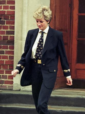 Фото №15 - Королевский кэжуал: как Диана носила объемные пиджаки