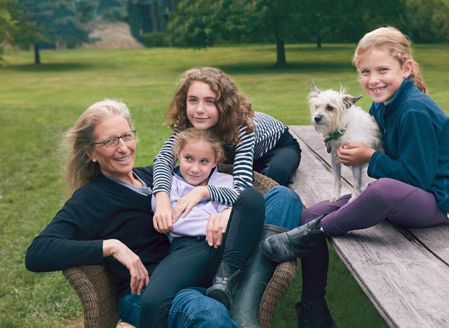 Фото №20 - Никогда не поздно: знаменитости, которые после 45 лет вновь стали родителями с помощью суррогатных матерей