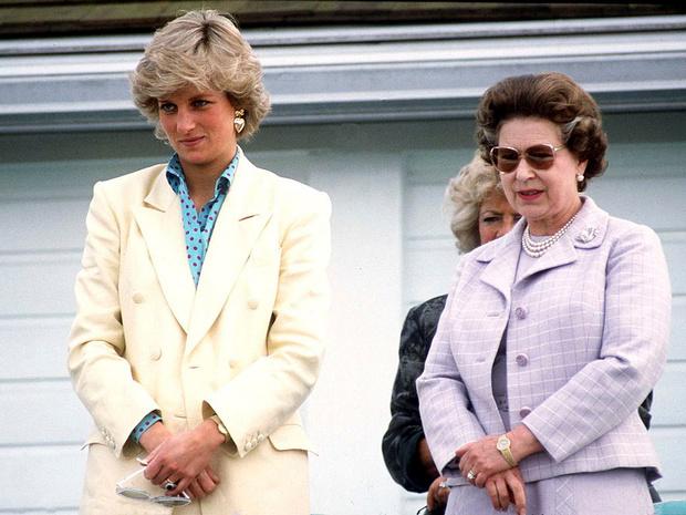 Фото №3 - Предчувствие беды: что Диана сказала Королеве после свадьбы с Чарльзом (и как это определило ее судьбу в БКС)