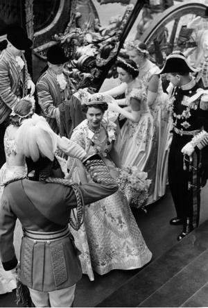 Фото №4 - Почему Королева не хотела, чтобы ее коронацию показывали по телевидению