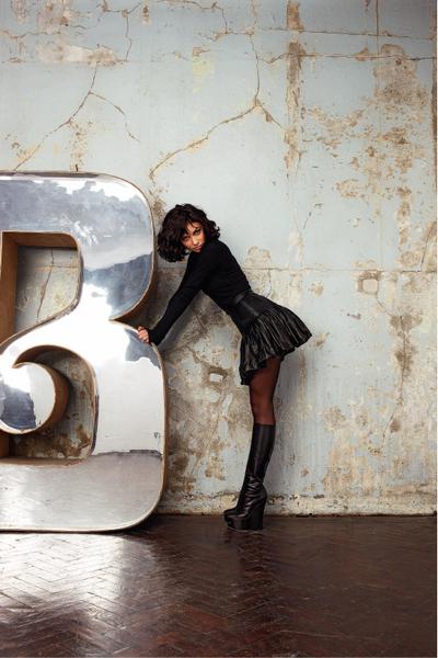 Фото №7 - Ольга Куриленко в журнале ELLE