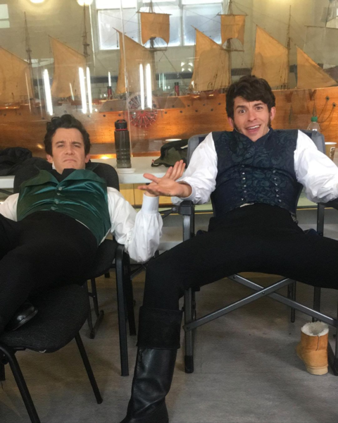 Фото №2 - Официально: стартовали съемки второго сезона «Бриджертонов»