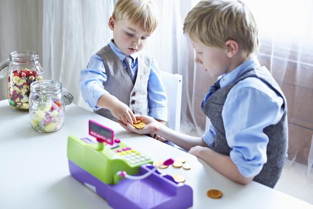 На «детские» выплаты в России добавили 62 млрд рублей: как их получить