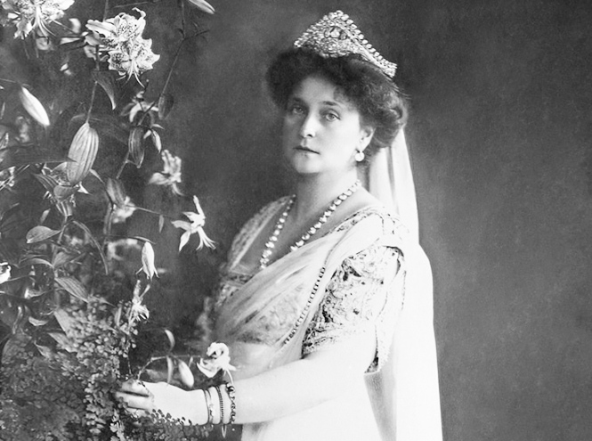 Фото №3 - Розы для Елизаветы и Александры: новое рождение двух королевских ароматов