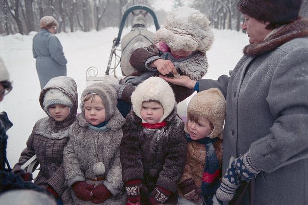 Фото №1 - Секрет наших бабушек: почему мы никогда не мерзли на прогулке