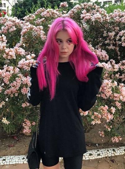 После скандала с запрещенными веществами 16-летняя дочь Вячеслава Малафеева вернулась домой