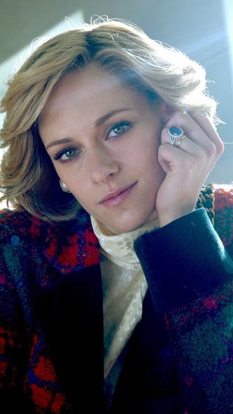 Фото №2 - Подражая Диане: наряды Кристен Стюарт в роли принцессы Уэльской