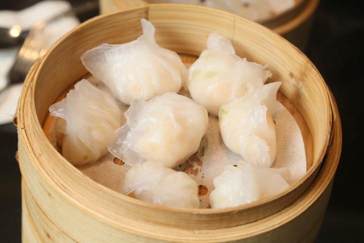 Фото №1 - Пельмень из Гонконга: пошаговый рецепт дим самов от мишленовского повара