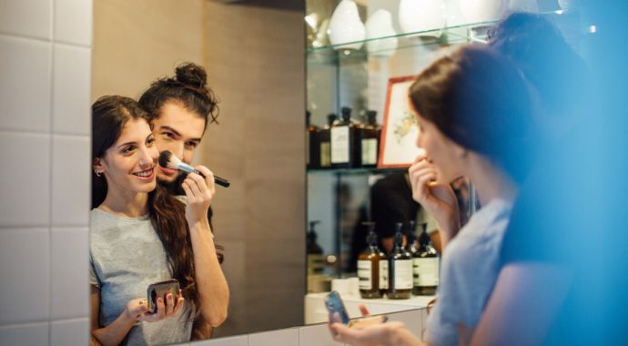 5 скрытых видов манипуляции, которыми пользуются нарциссы