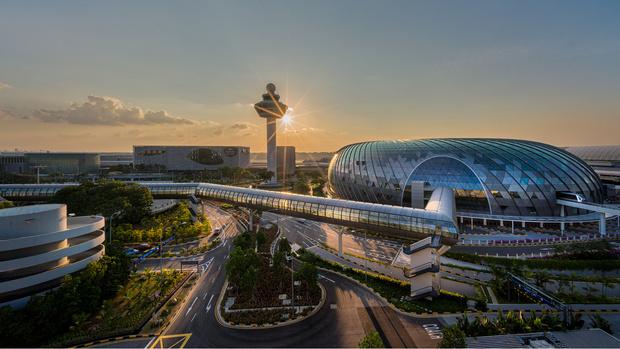 Фото №19 - 10 самых красивых аэропортов мира