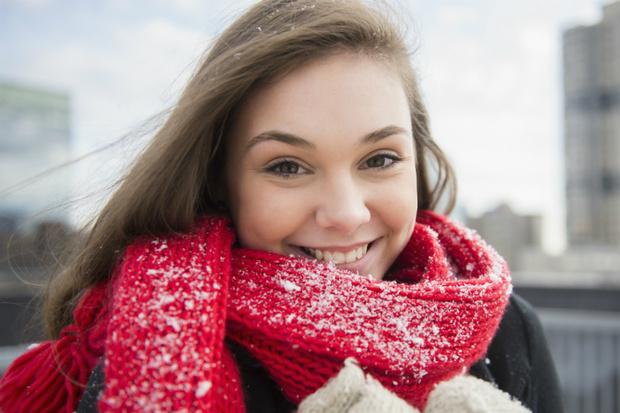 Фото №1 - Как ухаживать за губами зимой