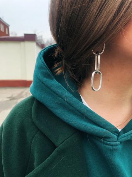 Фото №4 - Блог fashion-редактора: сочетаем зеленые вещи, оранжевые губы и массивные серьги