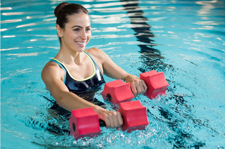 Фото №4 - 5 простых и 5 крутых упражнений для осиной талии